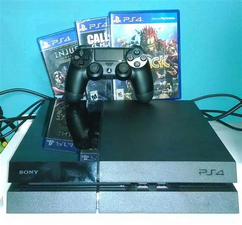 PlayStation 4 -- unboxing, hard-drive upgrade and first