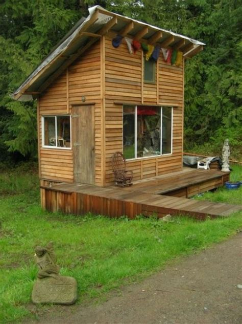 Tiny Cabin with Deck as Artist Studio Space - Tiny House Pins